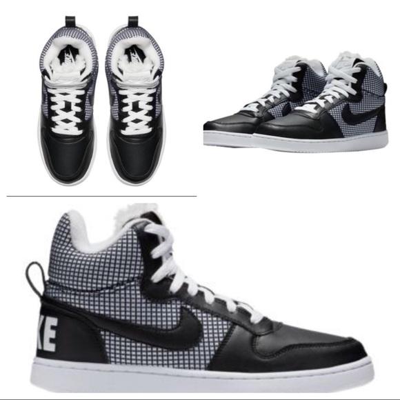 Nike Women s Court Borough Mid SE Shoes 9e5143b0b